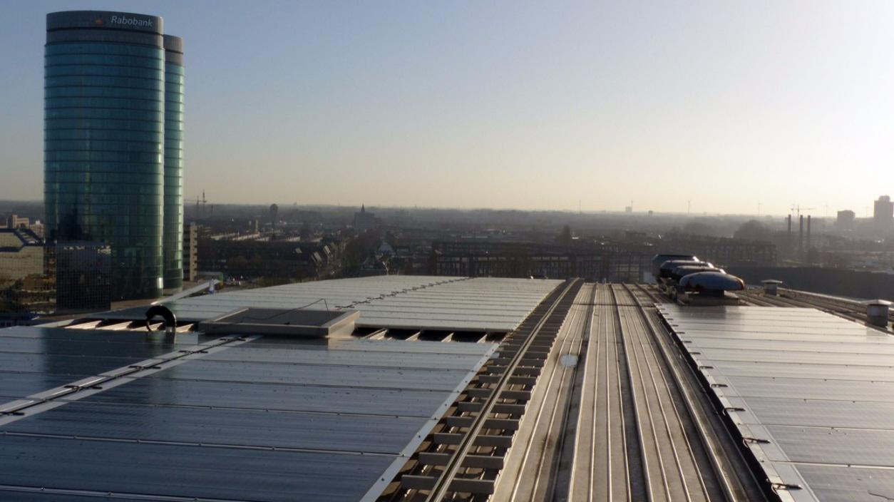 Hanergy Powers Cbre Office Building In Utrecht